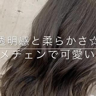 グレージュ フェミニン セミロング アンニュイほつれヘア ヘアスタイルや髪型の写真・画像