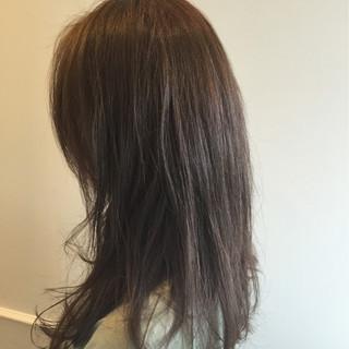 ストリート セミロング グレージュ ブルーアッシュ ヘアスタイルや髪型の写真・画像