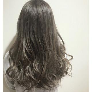 ハイライト オフィス ロング ナチュラル ヘアスタイルや髪型の写真・画像