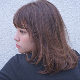 ミディアム フェミニン パーマ 愛され ヘアスタイルや髪型の写真・画像