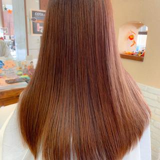 フェミニン ブランジュ ロング ピンクベージュ ヘアスタイルや髪型の写真・画像