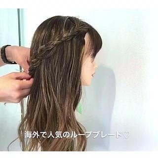 外国人風 フェミニン 編み込み ヘアアレンジ ヘアスタイルや髪型の写真・画像