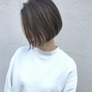 ハイライト ショートボブ 外ハネ 愛され ヘアスタイルや髪型の写真・画像