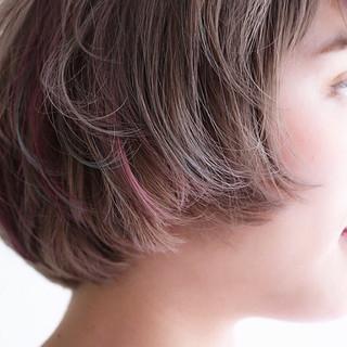 アッシュ インナーカラー マッシュ ストリート ヘアスタイルや髪型の写真・画像
