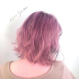 ベリーピンク ラベンダーピンク 波ウェーブ ウェーブ ヘアスタイルや髪型の写真・画像 | 津川比佳理 / AlanSmithee