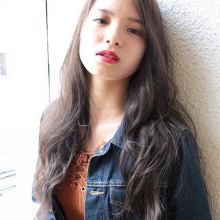 秋 透明感 グレージュ エレガント ヘアスタイルや髪型の写真・画像
