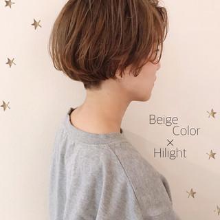 ダブルカラー ショートヘア ショートボブ ゆるナチュラル ヘアスタイルや髪型の写真・画像