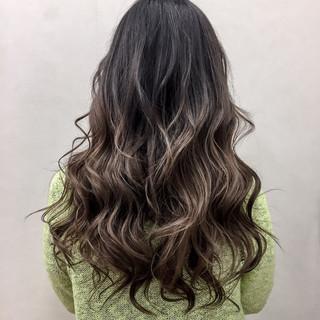 上品 ロング グラデーションカラー 透明感 ヘアスタイルや髪型の写真・画像 ヘアスタイルや髪型の写真・画像