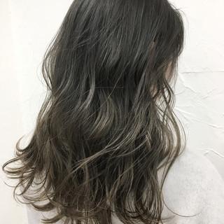 セミロング ストリート ゆるふわ アッシュ ヘアスタイルや髪型の写真・画像