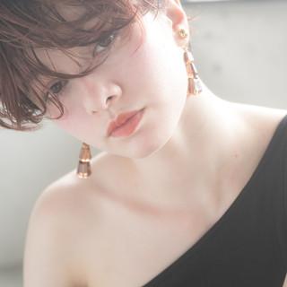 うざバング ショート マッシュヘア 毛先パーマ ヘアスタイルや髪型の写真・画像