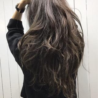 アッシュ トレンド ハイライト 外国人風 ヘアスタイルや髪型の写真・画像