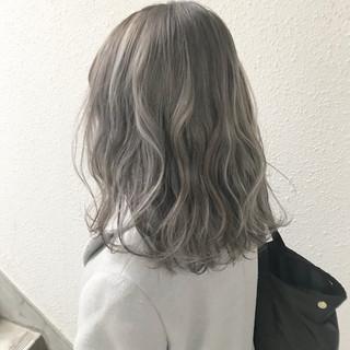 モード ミディアム ハイトーン ブリーチ ヘアスタイルや髪型の写真・画像
