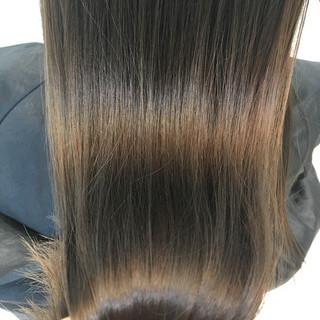 ロング イルミナカラー ナチュラル 艶髪 ヘアスタイルや髪型の写真・画像