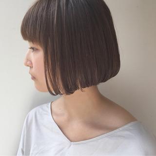 切りっぱなし 外国人風 ナチュラル ボブ ヘアスタイルや髪型の写真・画像 ヘアスタイルや髪型の写真・画像