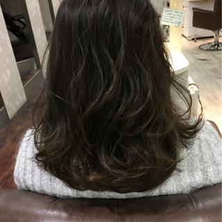 暗髪 黒髪 ゆるふわ 冬 ヘアスタイルや髪型の写真・画像
