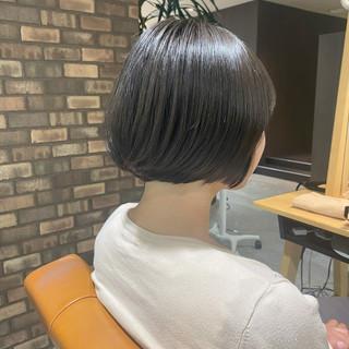 ボブ ツヤ髪 ショートボブ ナチュラル ヘアスタイルや髪型の写真・画像