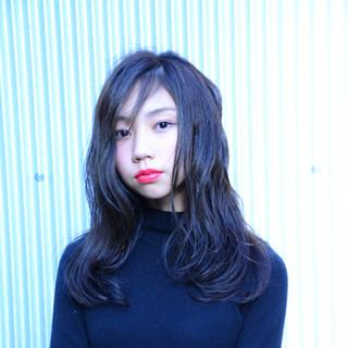 シースルーバング ナチュラル アッシュグレー ウェットヘア ヘアスタイルや髪型の写真・画像