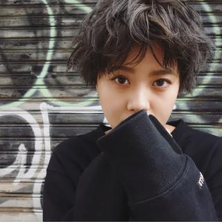 ストリート グレージュ 暗髪 ラフ ヘアスタイルや髪型の写真・画像