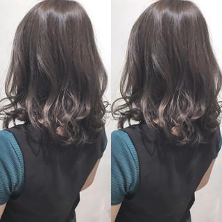ミディアム 秋 大人かわいい エレガント ヘアスタイルや髪型の写真・画像 ヘアスタイルや髪型の写真・画像