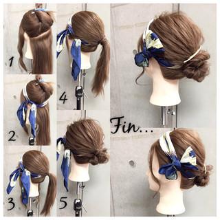 ヘアアレンジ ヘアアクセ シニヨン セミロング ヘアスタイルや髪型の写真・画像