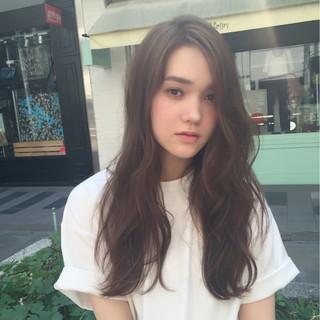 ロング ウェーブ グレージュ 外国人風カラー ヘアスタイルや髪型の写真・画像 ヘアスタイルや髪型の写真・画像
