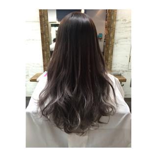暗髪 グラデーションカラー 大人かわいい 外国人風 ヘアスタイルや髪型の写真・画像 ヘアスタイルや髪型の写真・画像