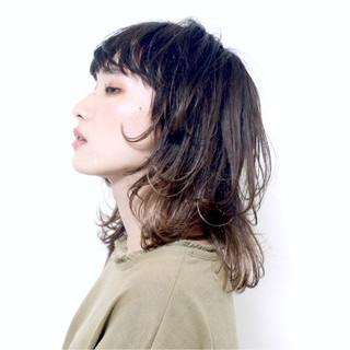 グラデーションカラー ウルフカット アッシュ 外国人風 ヘアスタイルや髪型の写真・画像