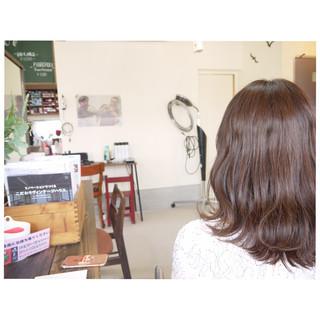 ナチュラル ヘアアレンジ セミロング 波ウェーブ ヘアスタイルや髪型の写真・画像