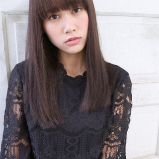 フェミニン 黒髪 セミロング 暗髪 ヘアスタイルや髪型の写真・画像 ヘアスタイルや髪型の写真・画像