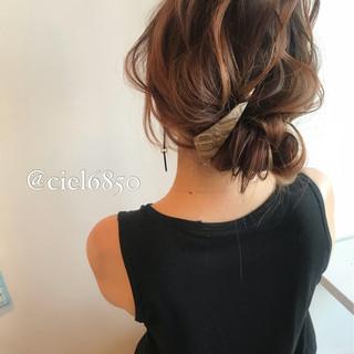 ミディアム 謝恩会 結婚式 フェミニン ヘアスタイルや髪型の写真・画像
