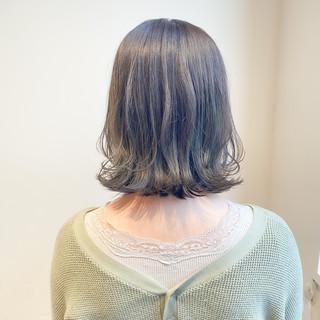 透明感カラー オリーブグレージュ インナーカラー ブリーチなし ヘアスタイルや髪型の写真・画像