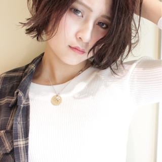 黒髪 ウェーブ ストリート 外国人風 ヘアスタイルや髪型の写真・画像