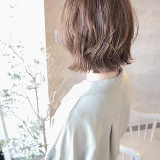 ボブ 切りっぱなしボブ フェミニン ミニボブ ヘアスタイルや髪型の写真・画像