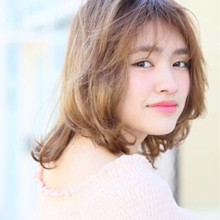 ミルクティー シースルーバング ミディアム ガーリー ヘアスタイルや髪型の写真・画像