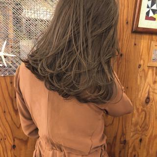 セミロング ブラウン アンニュイ ベージュ ヘアスタイルや髪型の写真・画像