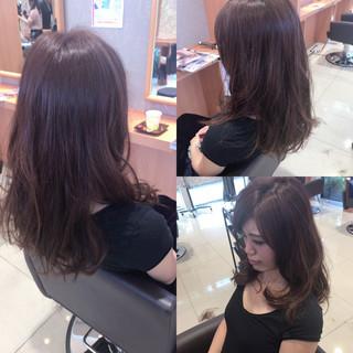 セミロング イルミナカラー ナチュラル 外国人風 ヘアスタイルや髪型の写真・画像