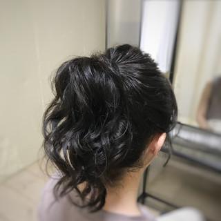 ミディアム ポニーテール ヘアアレンジ アウトドア ヘアスタイルや髪型の写真・画像