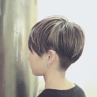 バレイヤージュ ストリート アッシュ ハイライト ヘアスタイルや髪型の写真・画像 ヘアスタイルや髪型の写真・画像