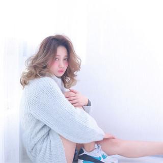 ゆるふわ ミディアム 大人かわいい おフェロ ヘアスタイルや髪型の写真・画像