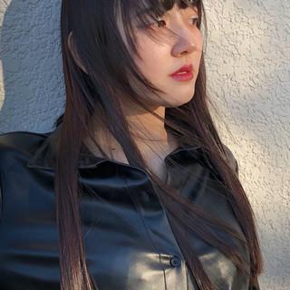 レイヤーカット 切りっぱなし ロング 黒髪 ヘアスタイルや髪型の写真・画像