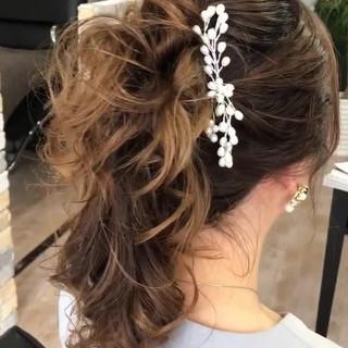 フェミニン ポニーアレンジ 結婚式ヘアアレンジ ヘアセット動画 ヘアスタイルや髪型の写真・画像