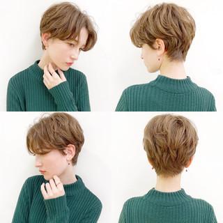 アンニュイほつれヘア ナチュラル パーマ アウトドア ヘアスタイルや髪型の写真・画像
