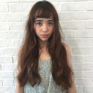 ゆるふわ ロング フェミニン パーマ ヘアスタイルや髪型の写真・画像