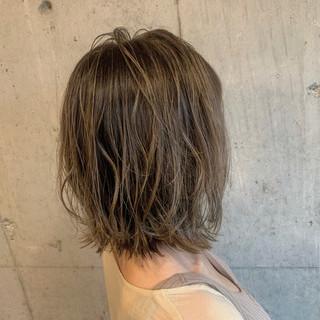 コテ巻き ボブ ブリーチカラー 簡単ヘアアレンジ ヘアスタイルや髪型の写真・画像