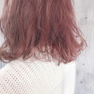 ナチュラル 大人かわいい ピンクパープル ピンクアッシュ ヘアスタイルや髪型の写真・画像