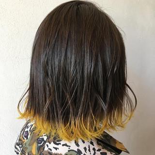 イエローアッシュ 裾カラー イエロー ボブ ヘアスタイルや髪型の写真・画像