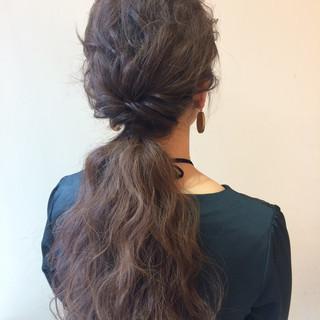 ロング ヘアアレンジ 結婚式 フェミニン ヘアスタイルや髪型の写真・画像 ヘアスタイルや髪型の写真・画像