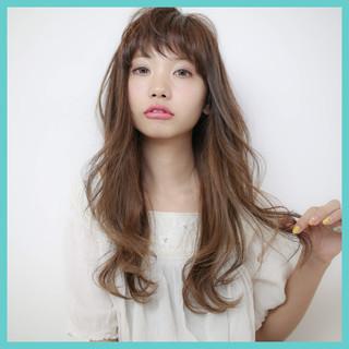 ストレート 大人かわいい ナチュラル 外国人風 ヘアスタイルや髪型の写真・画像