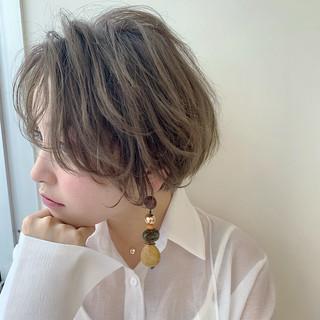 センターパート ナチュラル アンニュイほつれヘア 大人かわいい ヘアスタイルや髪型の写真・画像