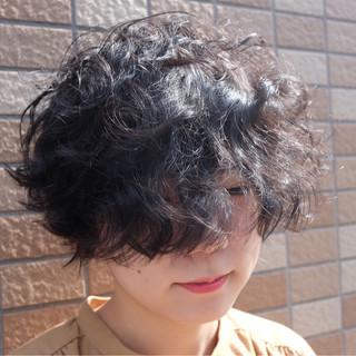 外国人風 ヘアアレンジ パーマ ショート ヘアスタイルや髪型の写真・画像 ヘアスタイルや髪型の写真・画像